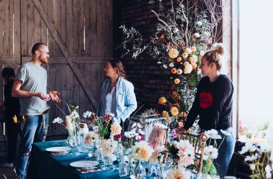 Instalacje kwiatowa na przyjęcie weselne