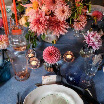 Kwiatowa aranżacja stołu okrągłego WEDDING